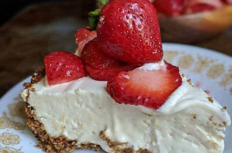 IceBox Cheesecake with Granola Crust