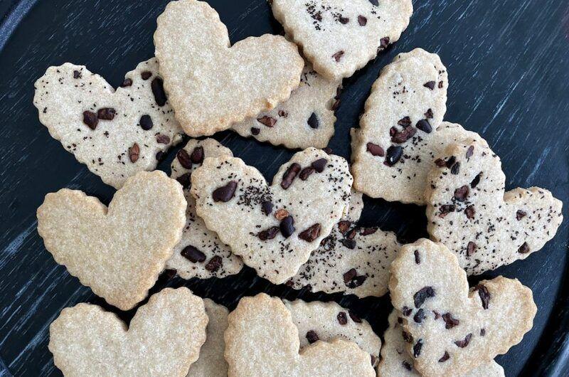 Shortbread Cookies with Earl Gray & Cacao Nibs