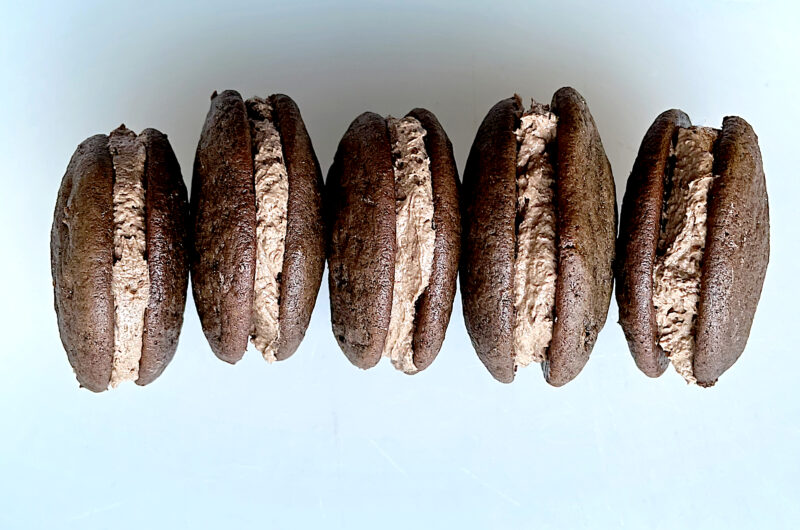 Hot Chocolate Whoopie Pies